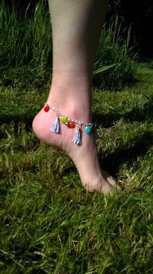 DIY, l'atelier de la malie, bracelet, ambassadrice , chaine de pied, la perle des loisirs